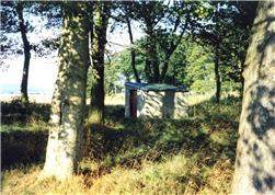 Derek Ball, BGS © NERC, 2001, a shelter housing a pump at a well head